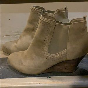 Worn once size 7.5 suede boots